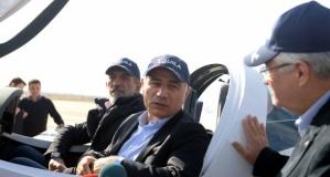 Eski İçişleri Bakanı Ala yerli eğitim uçağını inceledi