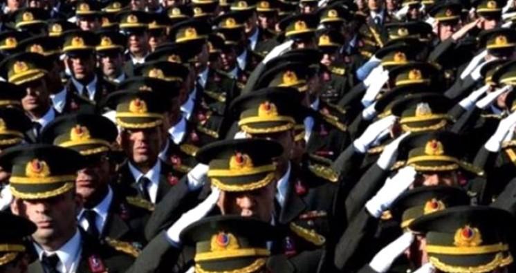 100 rütbeli asker FETÖ'den tutuklandı