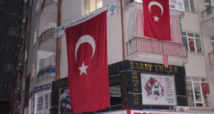 HDP binasına terör operasyonu: 22 gözaltı