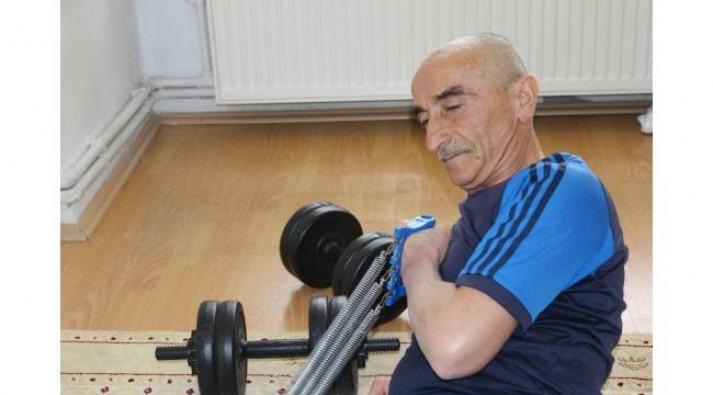 64 yaşında hedefi Guiness'e girmek