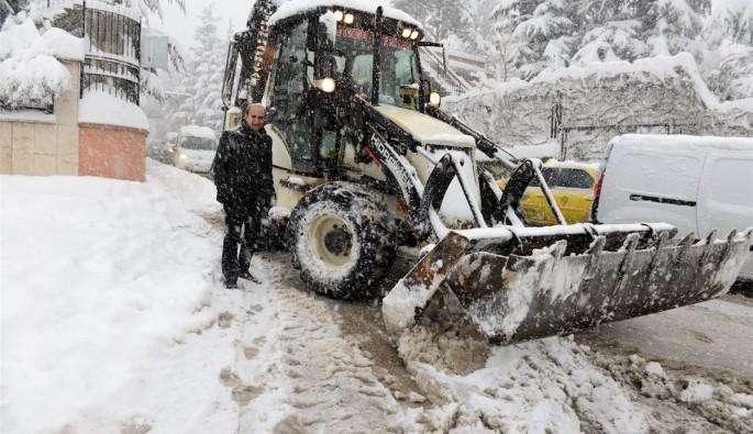 Yıldırım'da kar temizleme çalışmaları devam ediyor