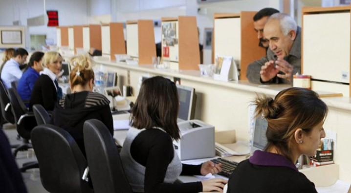 Bankalara yeni mezun 500 bin kişi işe alınacak