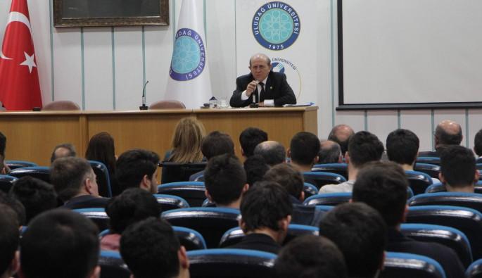 Burhan Kuzu, üniversitelilere yeni anayasayı anlattı