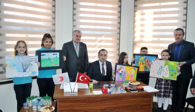 Bursa'da çocuklar veremi çizdi