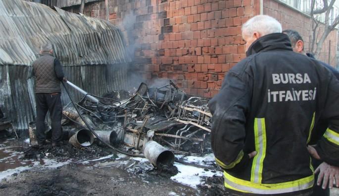 Bursa'da hurdalık yangını korkuttu