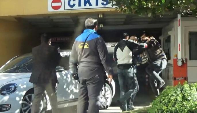 Bursa'da yol verme kavgasında yumruklar konuştu
