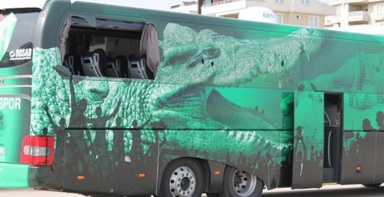 Bursaspor otobüsünü bu hale getirdiler!