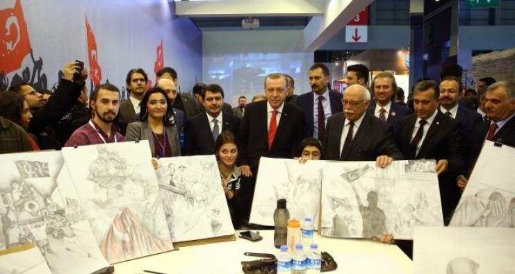 Cumhurbaşkanı Erdoğan kitap fuarını gezdi