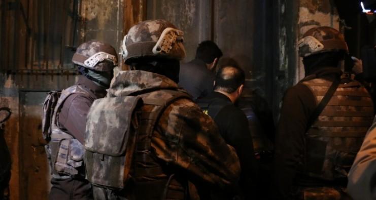 İstanbul'da zehir tacirlerine operasyon: 2 gözaltı
