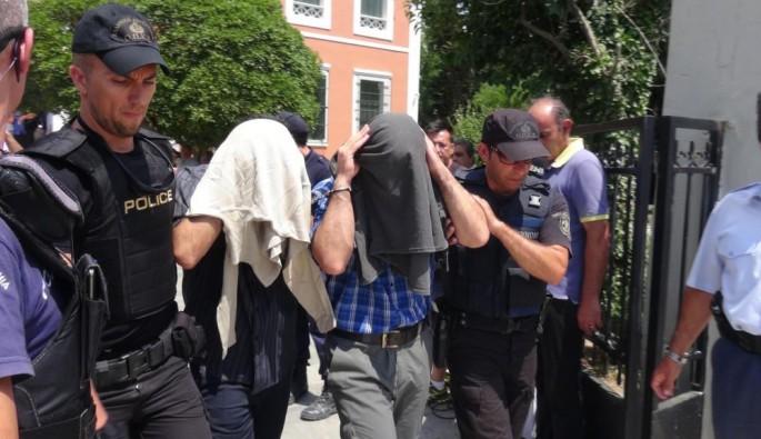 Yunanistan'a kaçan firariler: Elektrikçiyiz