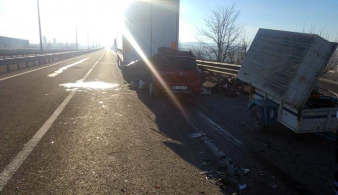 Çankırı'da otomobil ile TIR çarpıştı: 2 ölü