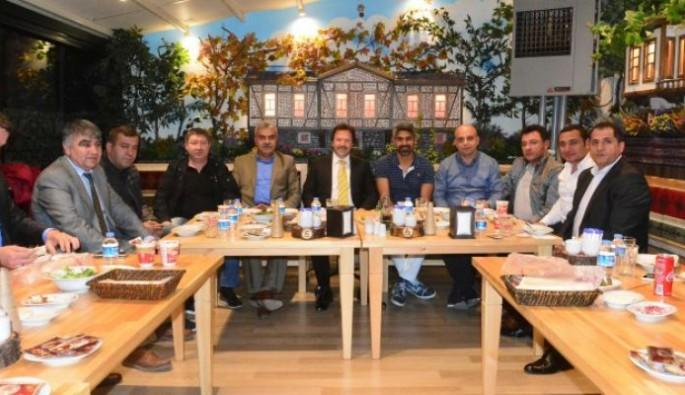 Ankaragücü futbolcuları ve yönetim yemekte bir araya geldi