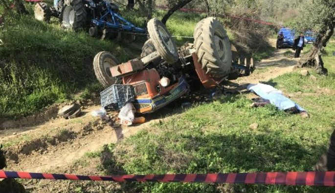 Bursa'da devrilen traktörün altında can verdi