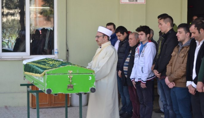 Bursa'da traktör kazasında ölen genç toprağa verildi