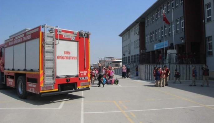 Bursa Yıldırım'da ilkokulda yangın