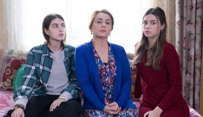 Fazilet Hanım ve Kızları 12.Bölüm izle