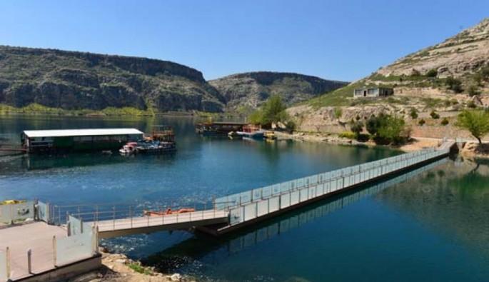 Fırat Nehri'nde 'Yüzen oteller' projesi