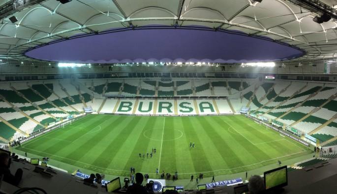 Galatasaray maçına taraftarlardan ilgi az