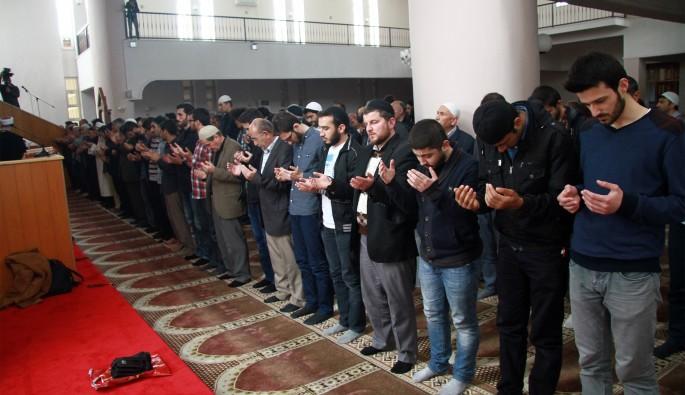 İblid'de öldürülen siviller için gıyabi cenaze namazı