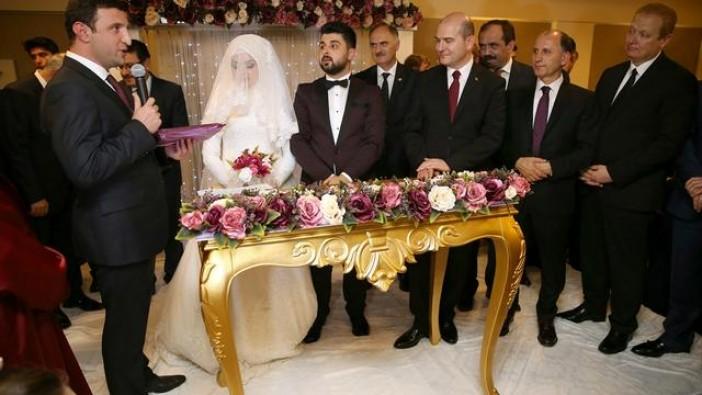İçişleri Bakanı Soylu, nikah şahidi oldu