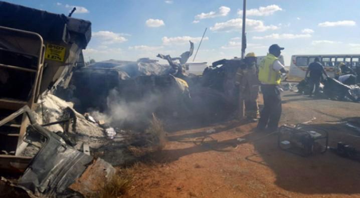 Korkunç kaza! Çok sayıda öğrenci yaşamını yitirdi...