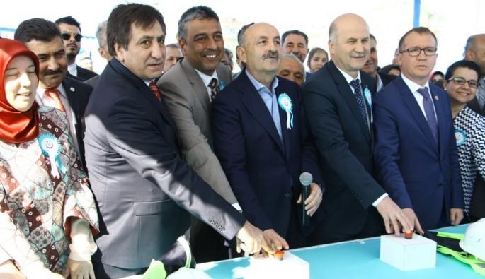 Müezinoğlu Bursa Yenişehir Devlet Hastanesinin temelini attı