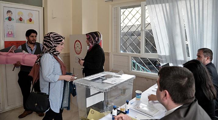 Yurt dışında oy verme işlemi bugün sona eriyor