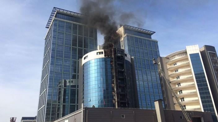 Bursa'da otel inşaatında korkutan yangın