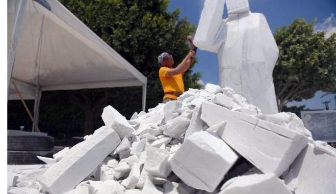 Çinli heykeltıraş '15 Temmuz' heykeli yaptı