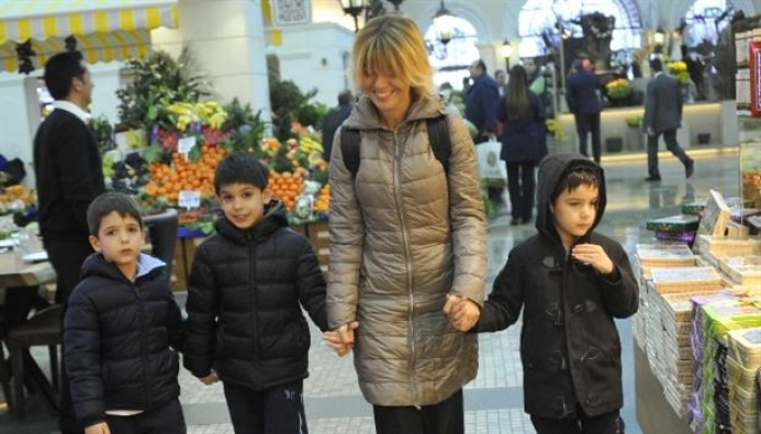 Gülben Ergen'den boşanan anne babalara iftarlı ders