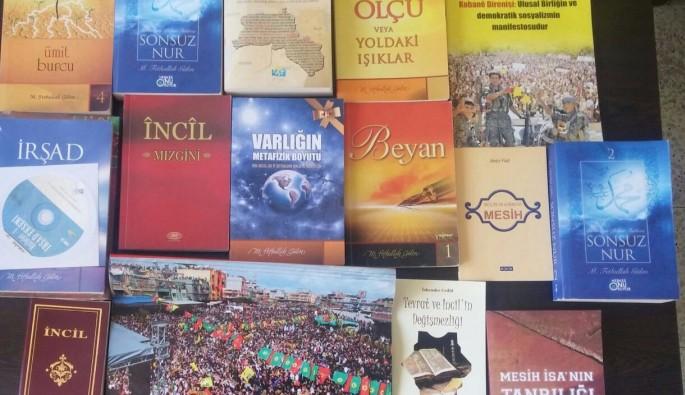 Mardin'de PKK'nın evinde FETÖ kitapları bulundu
