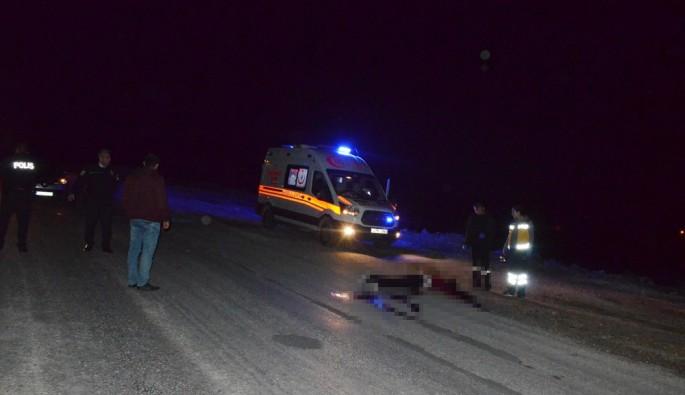 Yol kenarında boğazı kesilmiş erkek cesedi bulundu