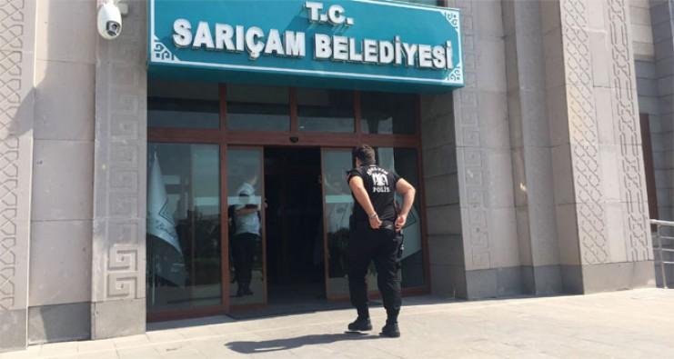 Adana'da belediyede 3 kişi rehin alındı