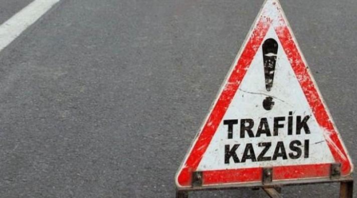 Adana'da tır iki araca çarptı: 1 ölü, 1 yaralı
