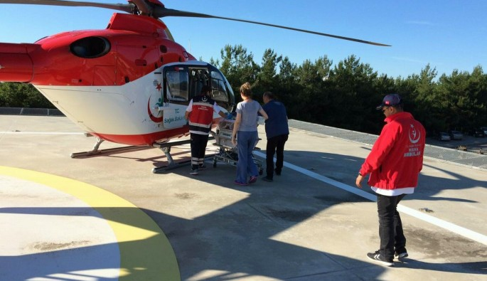 Ambulans helikopterler 26 günlük bebek için havalandı