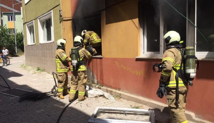 Bandırma'da ev yangını