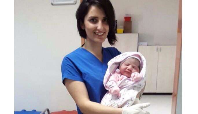 Bursa'da 4 kilo 750 gram kız bebek dünyaya geldi