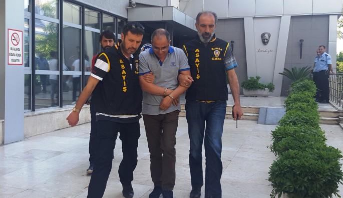 Bursa'da dolandırıcı doktor yakalandı