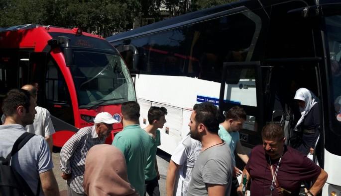 Bursa'da otobüsle tramvay çarpıştı