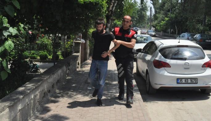 Bursa'da polisten kaçmaya çalışan uyuşturucu zanlısı kıskıvrak yakalandı