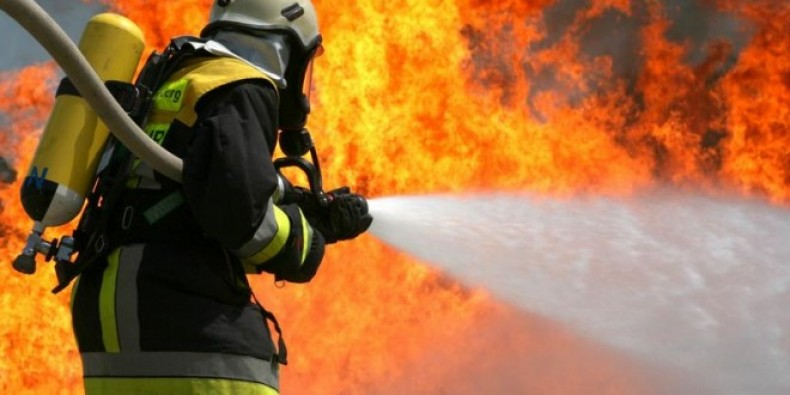 Bursa Gemlik'te ev alev alev yandı!