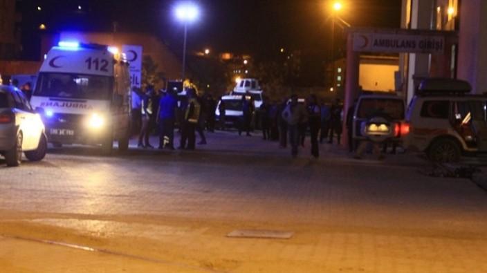 Hakkari'de askeri araca roketli saldırı: 1 asker şehit 6 asker yaralı