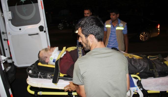 İki aracın çarptığı baba ve kızı ağır yaralandı