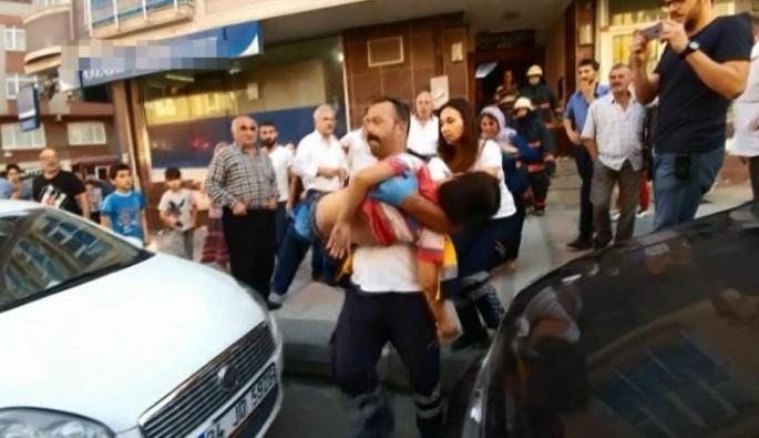 Kağıthane'de asansöre sıkışan çocuk ağır yaralandı