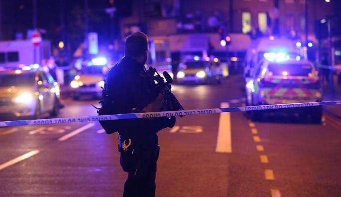 Londra'da camiden çıkan Müslümanlara terör saldırısı