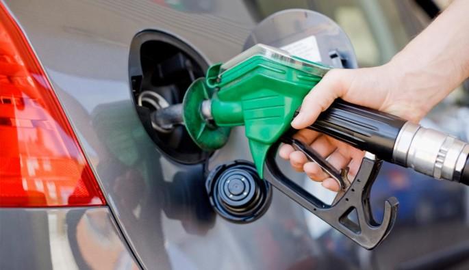 Petrol istasyonunda kamyon hırsızlığı