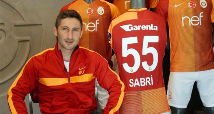 Sabri Sarıoğlu Galatasaray'dan ayrılıyor