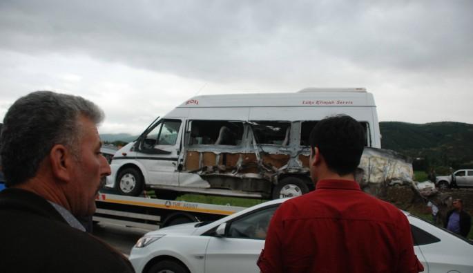 Tokat'ta yolcu minibüsü şarampole devrildi