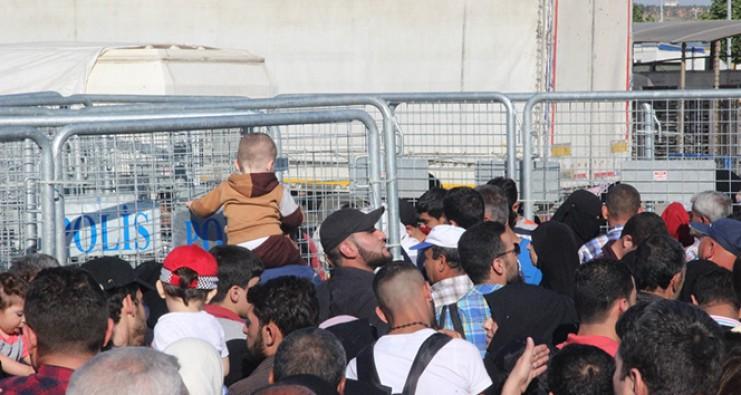 Ülkelerine giden Suriyelilerin sayısı 10 bini aştı