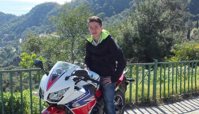 Yayaya çarpan motosiklet sürücüsü öldü, yaya ağır yaralandı
